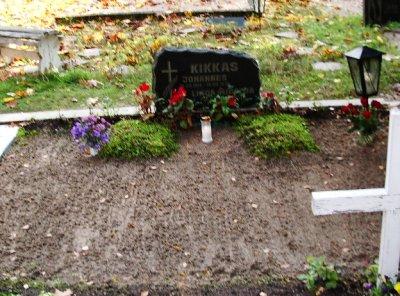 Muti ja Taadi haud Türi kalmistul